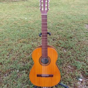 Guitarra Vicente Sanchís. Oferta en Murcia